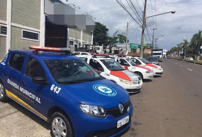 Operação conjunta fiscaliza comércio de peças usadas em São Carlos