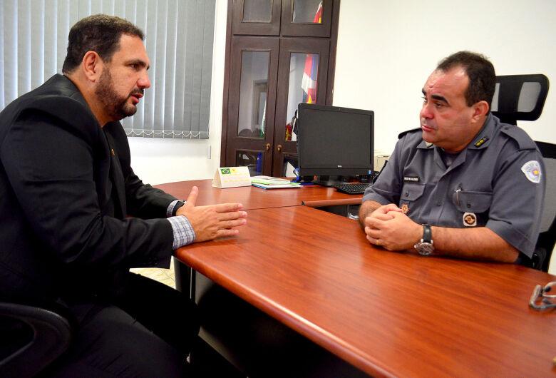 Novo comandante do 38º BPM recebe apoio do deputado estadual Julio Cesar