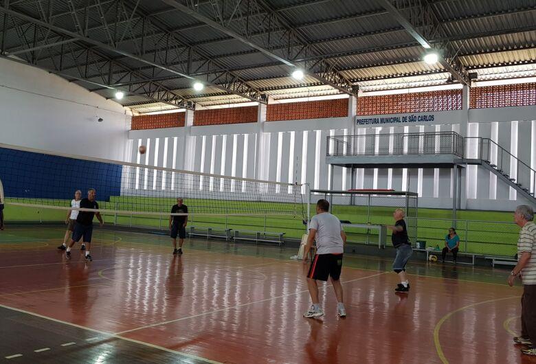 Esportes oferece vagas para aulas de vôlei adaptado