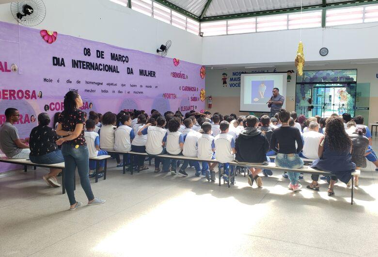 Escola Municipal de Ibaté promove palestra sobre primeiros socorros