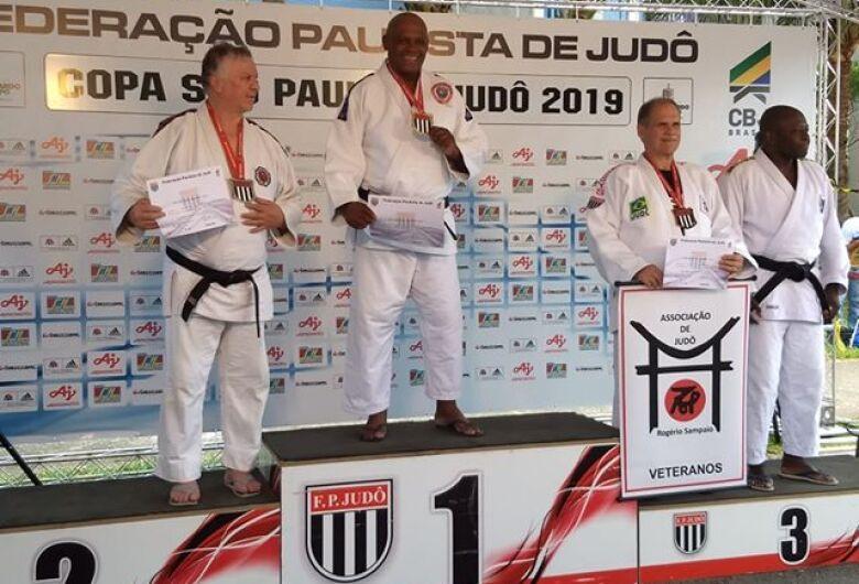 São Carlense conquista medalha de ouro no Judô