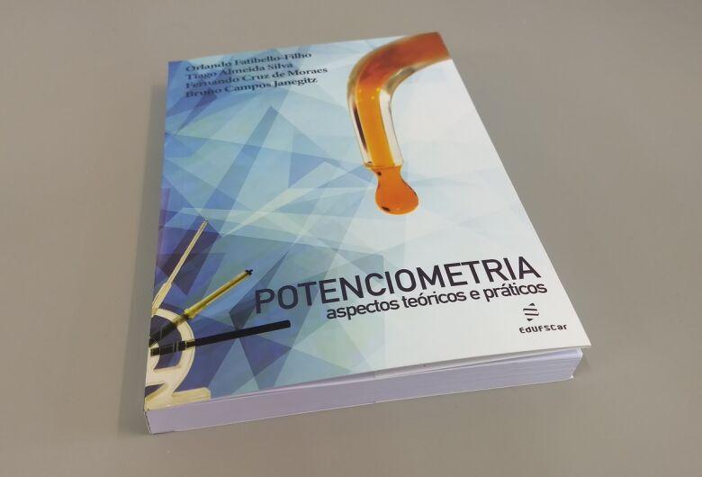 EdUFSCar lança livro sobre potenciometria