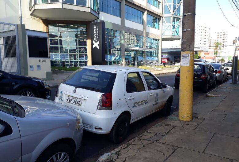 Prefeitura deve investigar suposto uso irregular de carro oficial por diretor da Secretaria de Agricultura
