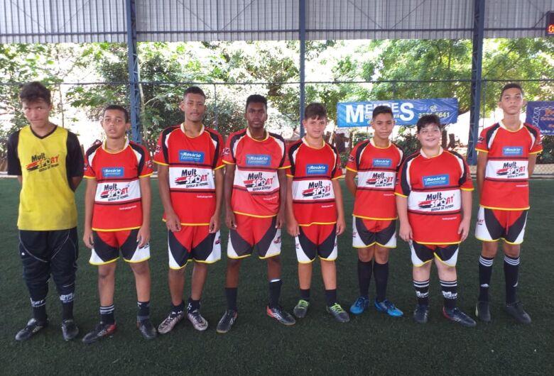 Mult Sport realiza jogos amistosos e coloca atletas em atividade