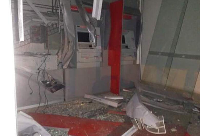 Três agências bancárias são explodidas durante a madrugada em Boa Esperança do Sul