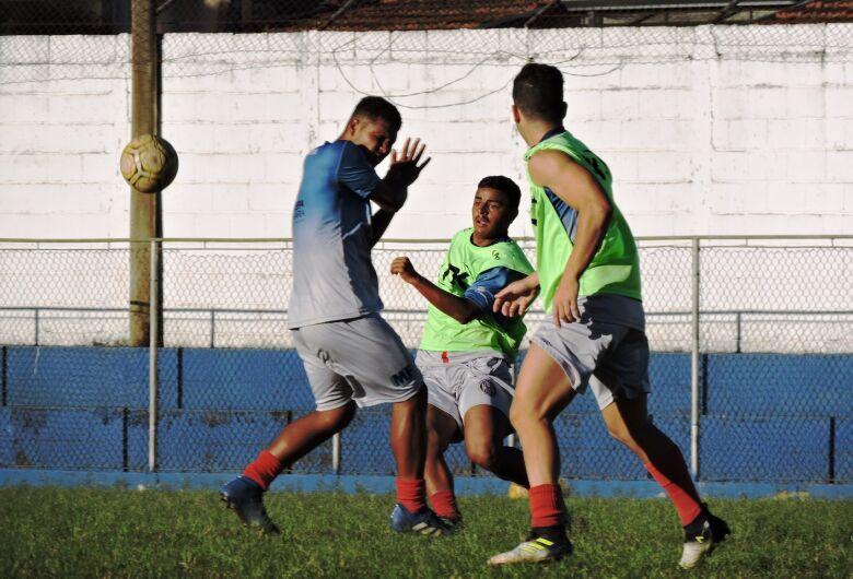 Por primeira vitória, Grêmio recebe a Inter de Bebedouro