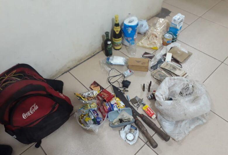 Ladrão é detido após furtar residência