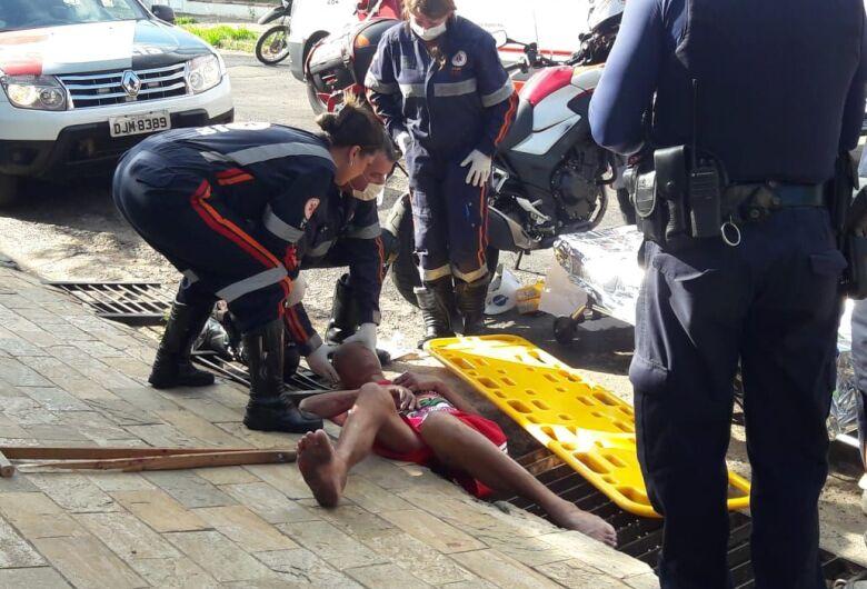 Homem é espancado com barra de ferro no Jardim Beatriz