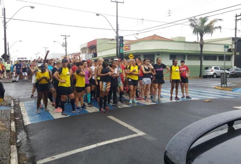 Cerca de 300 corredores participam de mais uma etapa do Campeonato Corrida Treino de Rua Ibaté