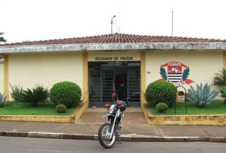 Funcionária pública é presa em flagrante após furtar dinheiro na escola em que trabalha