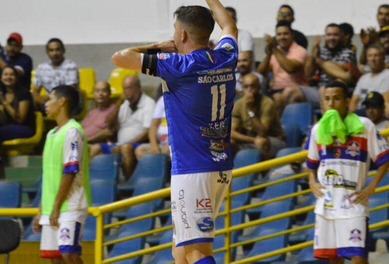 São Carlos goleia o Yoka e segue na liderança da Copa Paulista