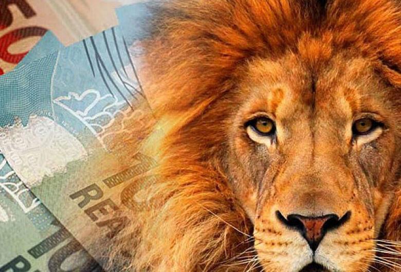 Alunos de Ciências Contábeis da UNICEP tiram dúvidas sobre a declaração do Imposto de Renda