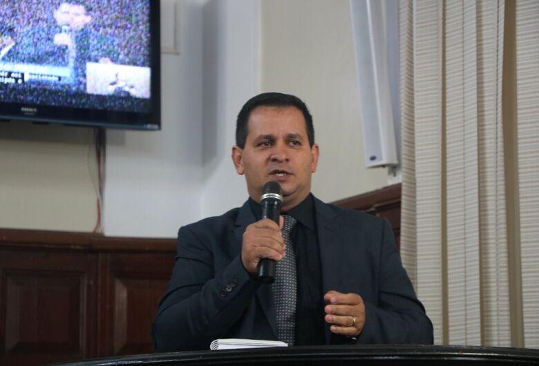 Vereador Roselei pede reforma urgente no Cemei Maria Alice Vaz de Macedo