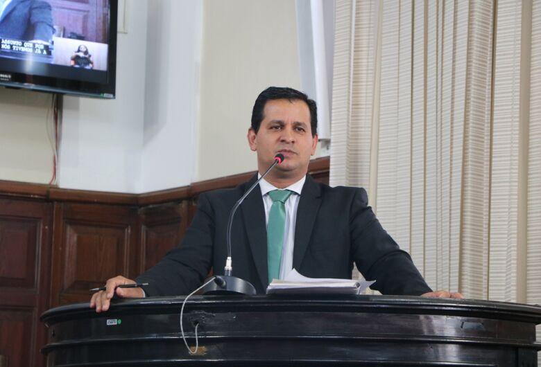 """Projeto do vereador Roselei Françoso propõe instituir """"área de segurança escolar"""""""