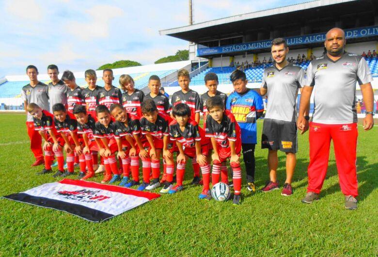 Meninos do sub11 da Multi Esporte/La Salle vencem mais uma no Municipal