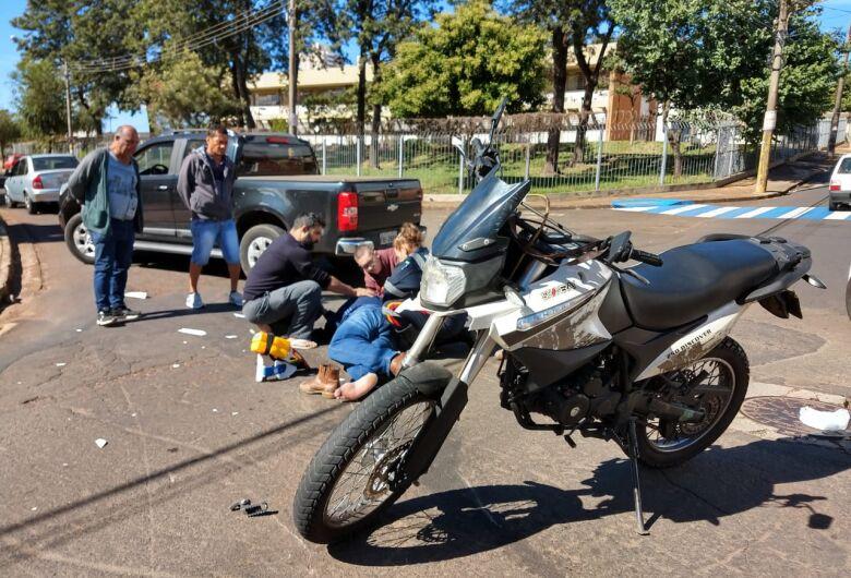 Motociclista se envolve em acidente na região central