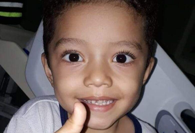 Pequeno Kauã precisa urgentemente de doadores de sangue O positivo