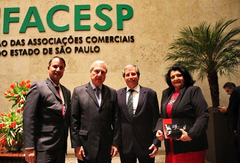 Acisc prestigia solenidade de posse de diretores, vices regionais e presidente da Facesp