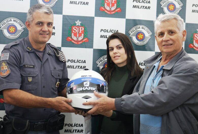 Trânsito faz doação de capacetes para a Polícia Militar