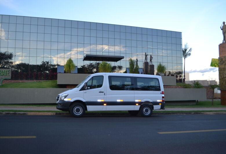 Prefeitura de Ibaté adquire veículo para auxílio no transporte de pacientes