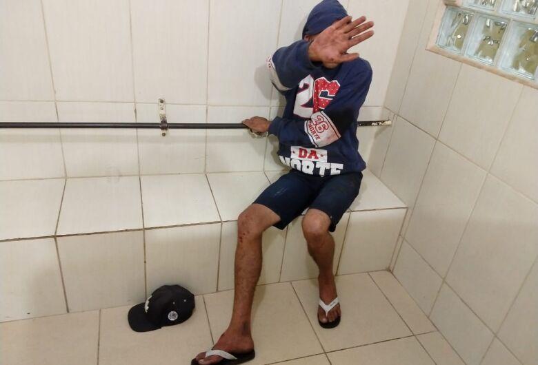 Jovem é detido após danificar a casa do pai no Pacaembu