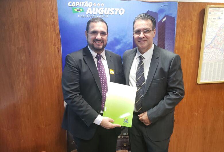 Julio Cesar em Brasília cobra Ministério e pede a deputados mais recursos para a Saúde