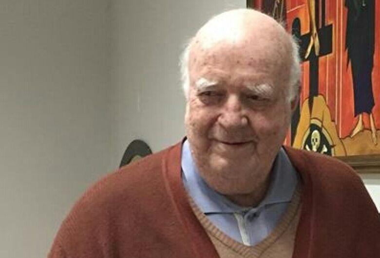Padre Tombolato segue internado após acidente de carro