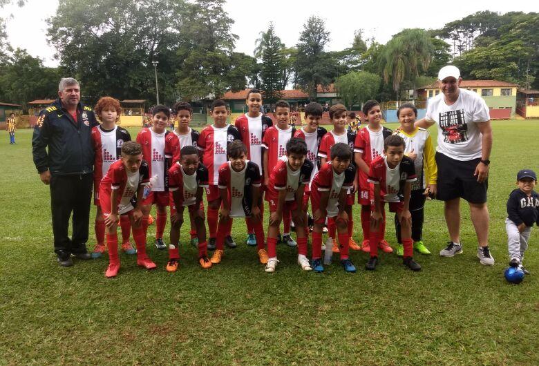 Com o técnico da Seleção Brasileira na arquibancada, Salesianos vence dois jogos no Municipal