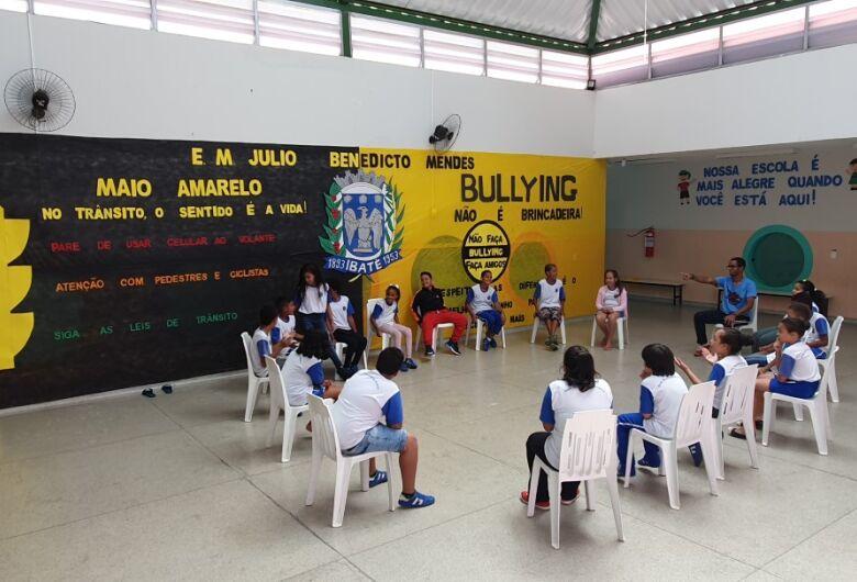 """Escola """"Julio Mendes"""" conscientiza alunos sobre Maio Amarelo e Dia do Desafio em Ibaté"""