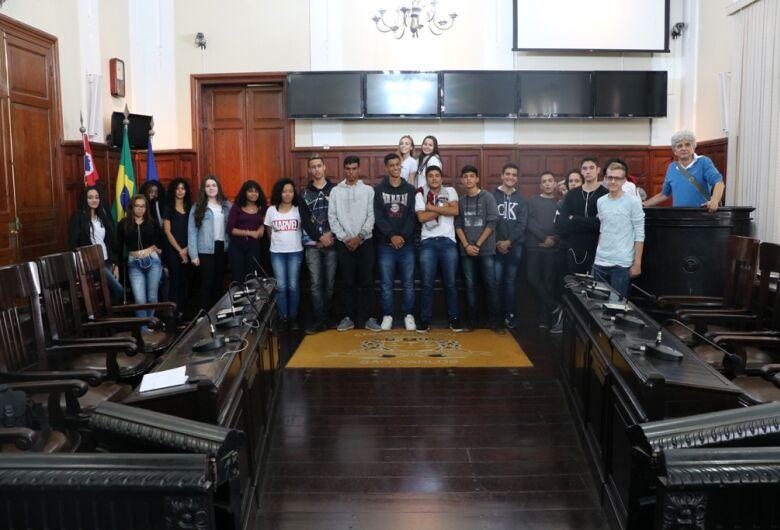 Visite a Câmara e Guião no Parlamento: parceria promove cidadania e conhecimento