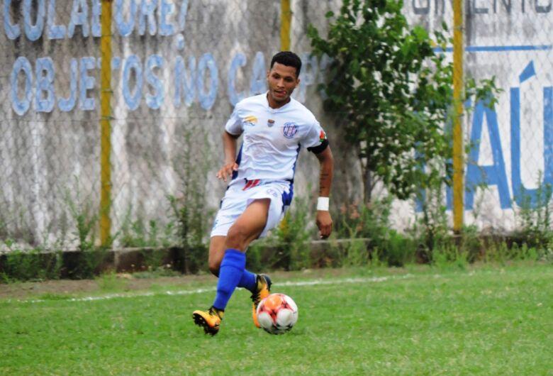 Apesar da eliminação, Rezende planeja Grêmio em busca de vitórias nas rodadas finais do estadual