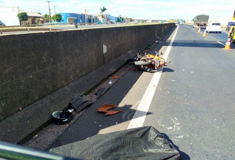 Motociclista morre em acidente na rodovia Washington Luis