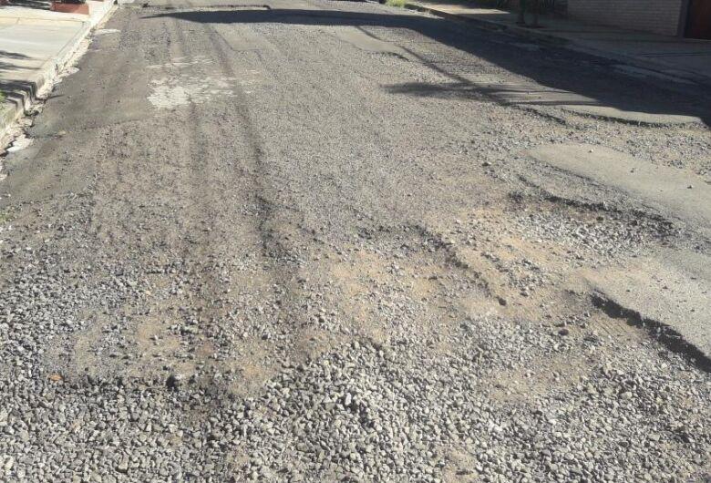 Vereador Sérgio Rocha pede recape nas ruas do Bairro Planalto Paraíso