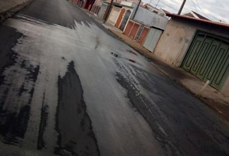 Vazamento incomoda moradores na Vila São José