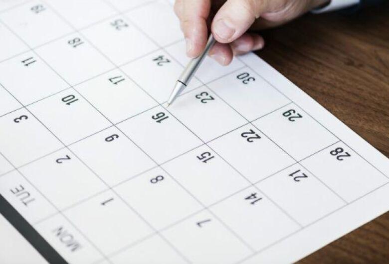 Aprovado projeto que antecipa feriados para as segundas-feiras