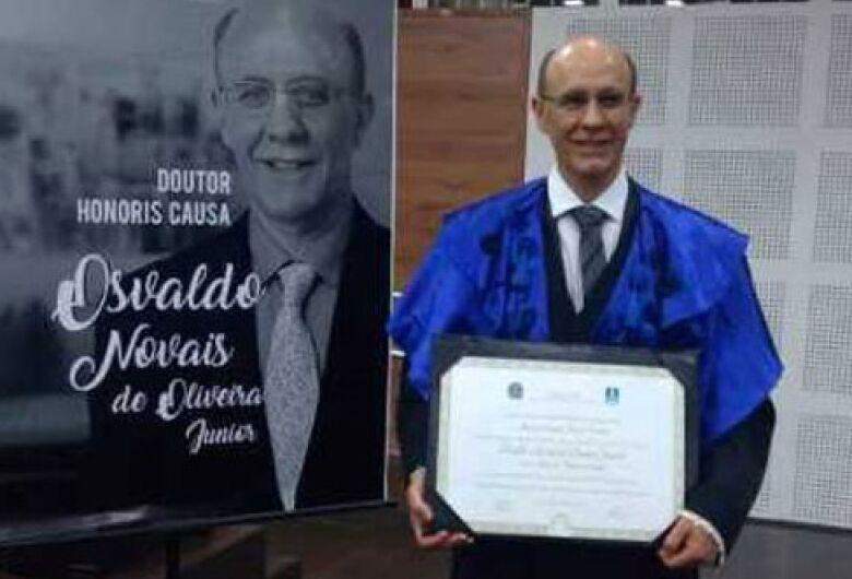 """Pesquisador de São Carlos é """"Honoris Causa"""" em universidade sul-mato-grossense"""
