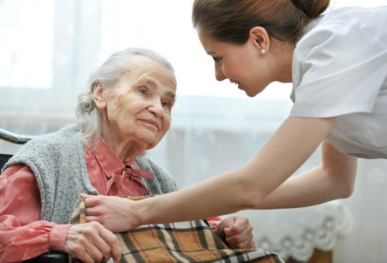 Inscrições abertas para o curso de cuidadores de idosos