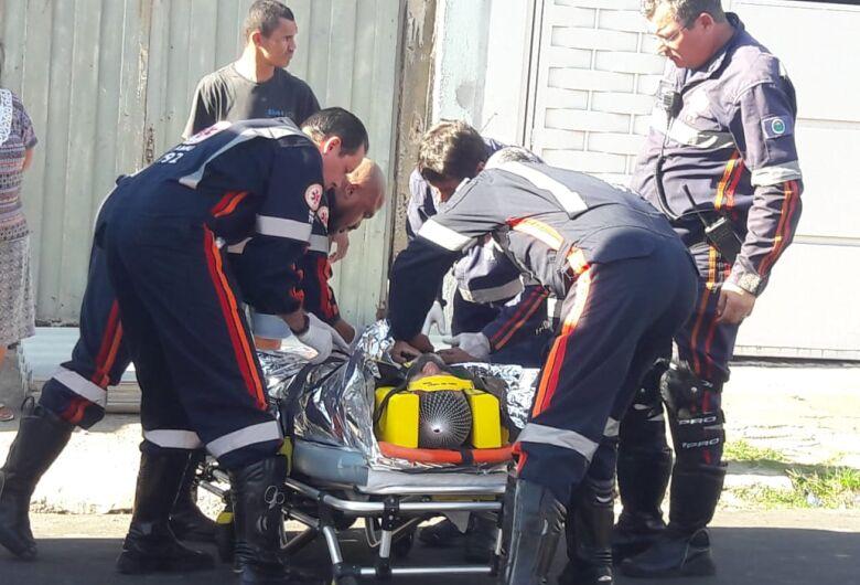 Pedreiro sofre fratura após cair de telhado no Cidade Aracy