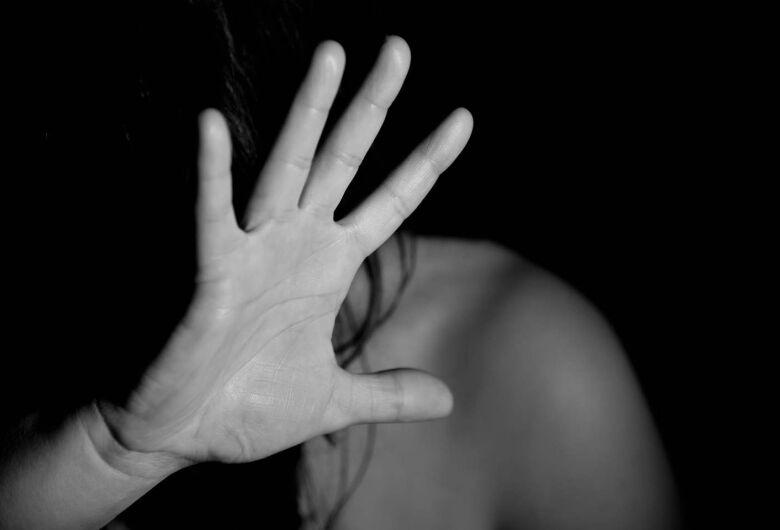 Bandidos espancam e deixam garota amarrada no Prolongamento do Medeiros