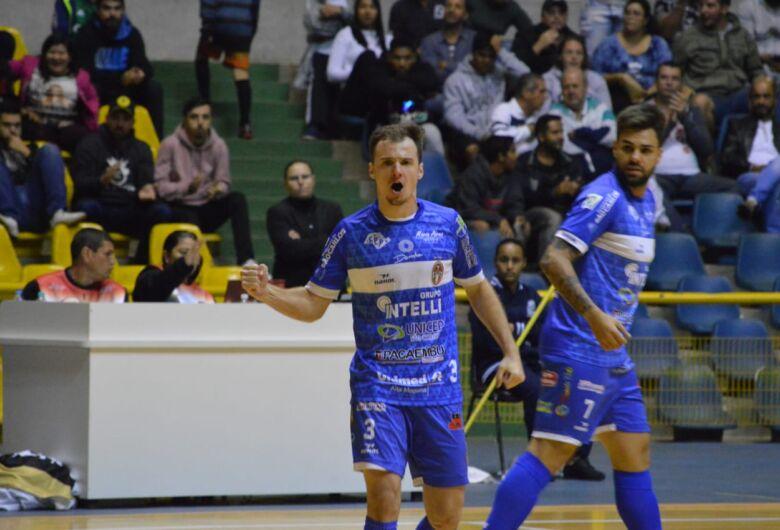 Com apoio do torcedor, São Carlos vence o Barueri e está na semifinal da Copa Paulista