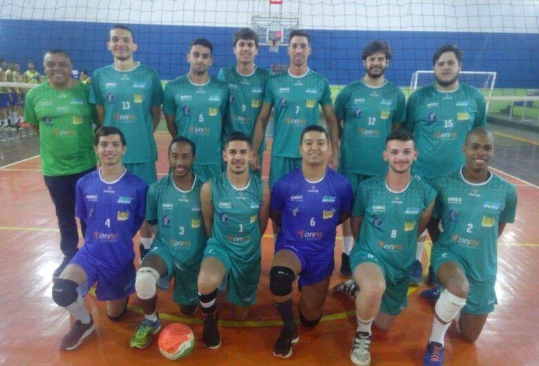 Vôlei masculino de São Carlos busca a reabilitação na APV