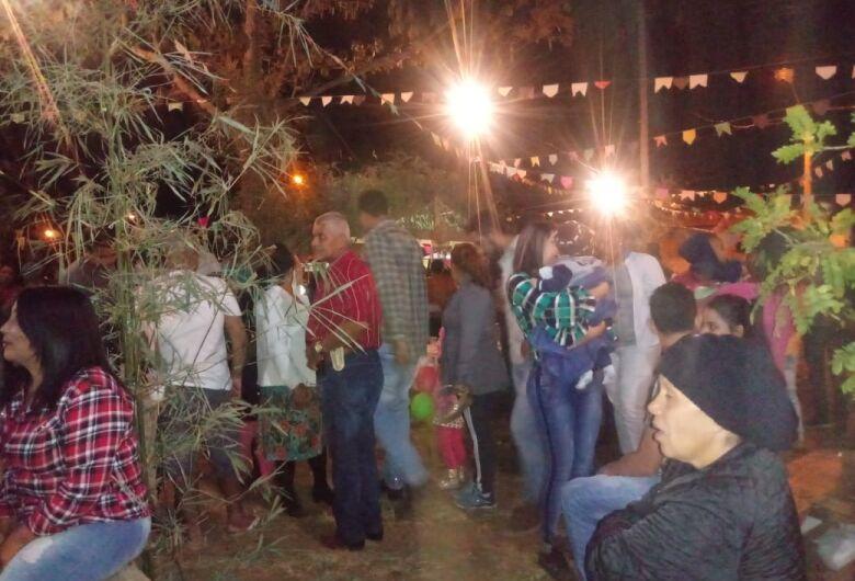 Mais de 400 pessoas participam de festa junina no Cidade Aracy