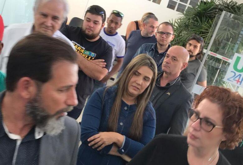 Carla Zambelli destina R$ 500 mil para a saúde de São Carlos e diz que PT destruiu o Brasil