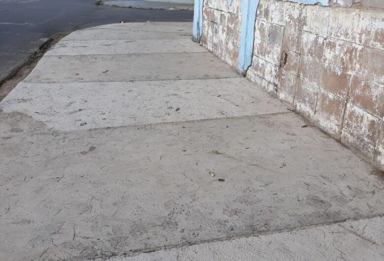 Prefeitura atende pedido de Sérgio Rocha e conserta calçadas de Cemei