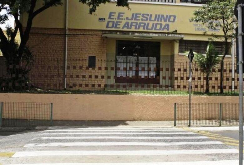 Uma escola chamada Jesuíno de Arruda
