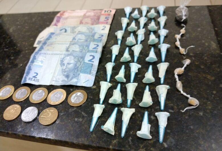 PM apreende jovem por tráfico de drogas no Santa Angelina