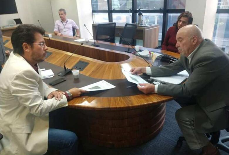 Daniel Lima busca informações na Artesp sobre nova praça de pedágio na SP-318