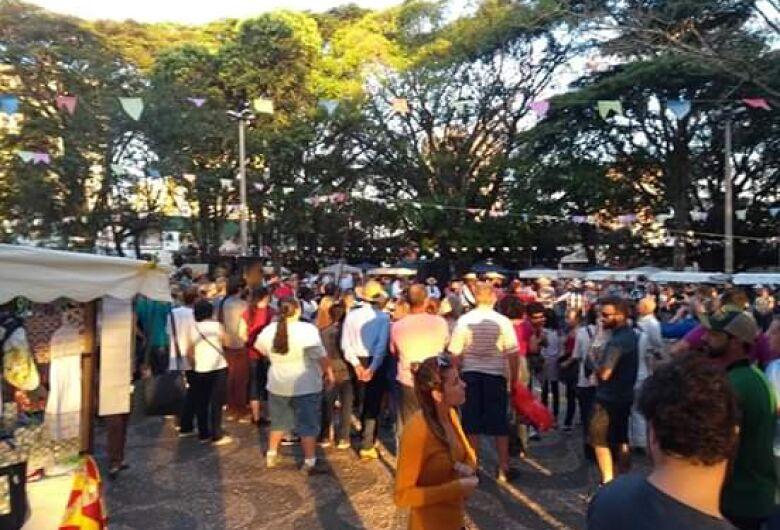 Feira de Economia Solidária da Praça 15 realiza 3ª Festa Julina no domingo