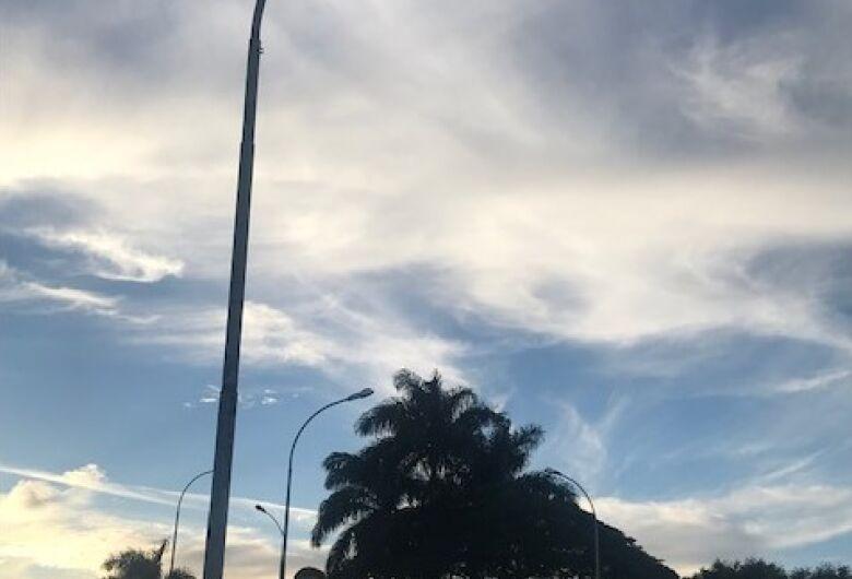 Vereador Rodson reitera necessidade de restabelecer iluminação pública no viaduto da Fepasa
