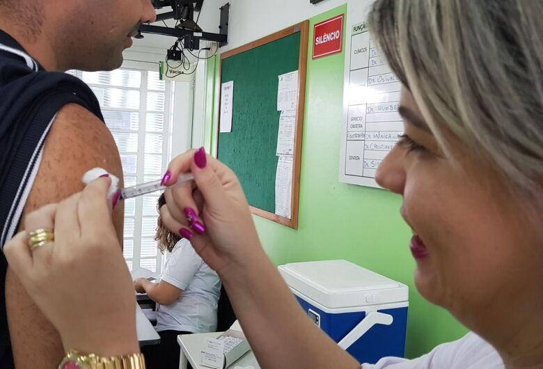 São Carlos ainda tem 2.500 doses da vacina contra a gripe para a população em geral